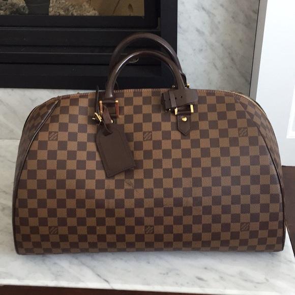 b2576296abb8 Louis Vuitton Handbags - Rare bag. Damier